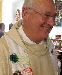 Priester Jan Haen tekent eigentijdse stripbijbel