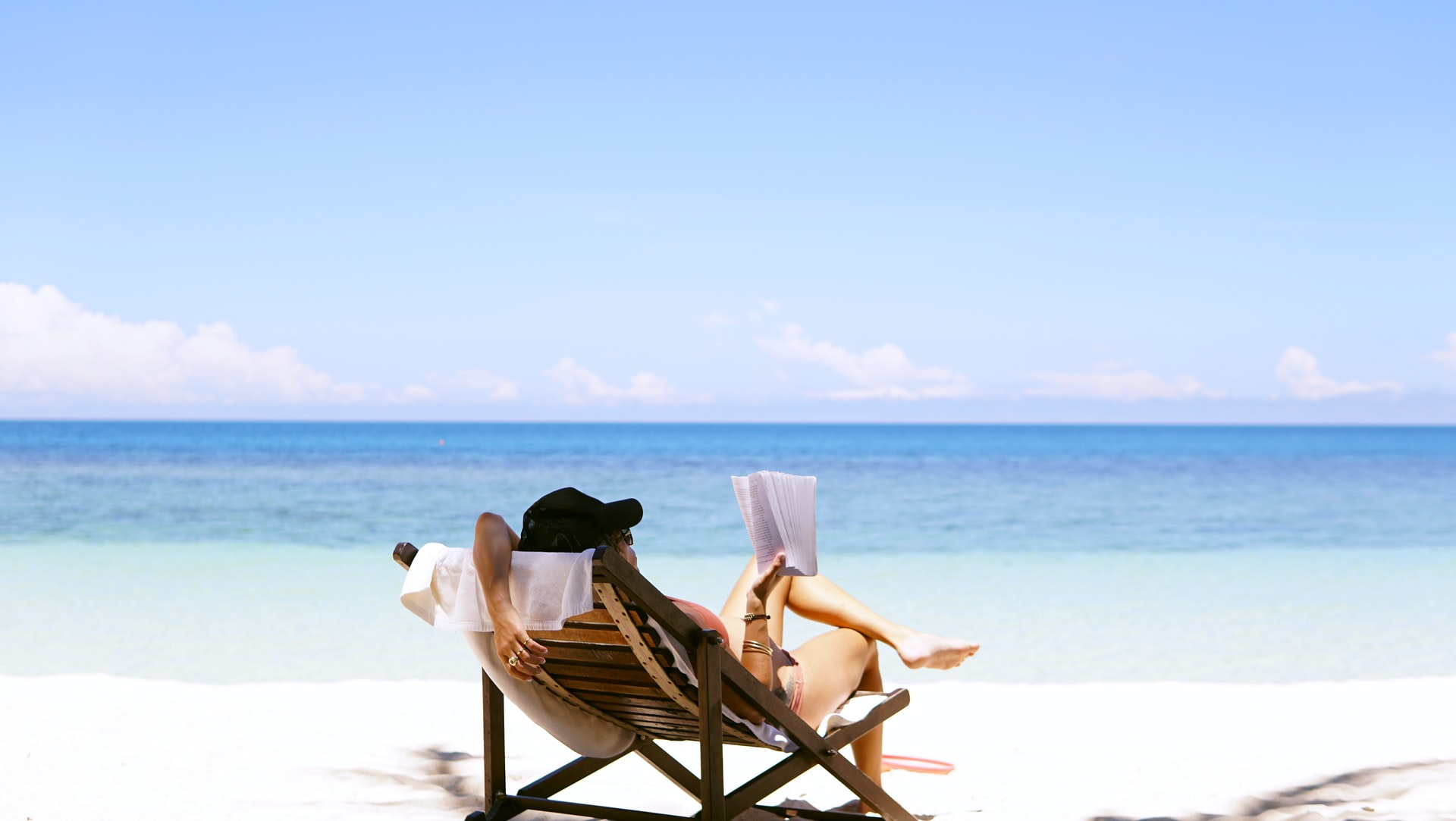 Leesonderzoek: tijdens de zomer lezen we vaker spannende boeken